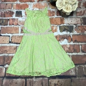 Gorgeous LOLA Bright Kelly Green Lace Dress